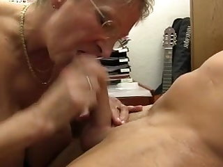 XXX OMAS - Dirty Germany granny takes detect convenient the office