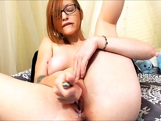 Solo redhead floosie toys and fingers her holes