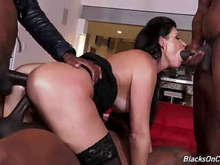 Slutty mature MILF India Summer sprayed adjacent to cum on face in a gangbang