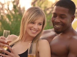 Cheating spouse luvs seeing his wifey fellating ebony sausage on every side bi-racial threeway pornvideo