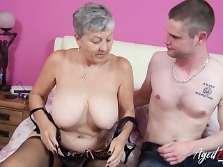 Horny mature lady got her pussy licked plus fucked by lickerish plus handy lover