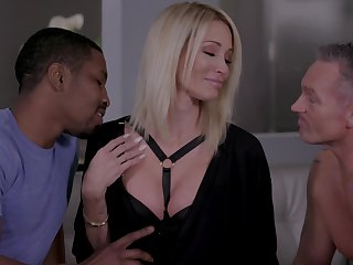 Insatiable blonde Jessica Drake gets make known with two lovers at level pegging time