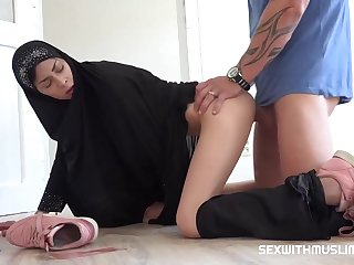 Czech woman with a head scarf, Ashley High seas is sucking cock like a real bungle