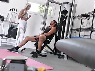 Dissipated fucking in the gym with natural gut hottie Chloe Temple