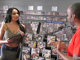 Busty Latina Anissa Kate drops on the brush knees to please a dick