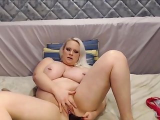 Big and Beautiful Blond Girl With Huge Interior Squirting