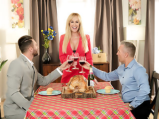 Bombshell Brandi Love is thankful be expeditious for her husband's friend's cock